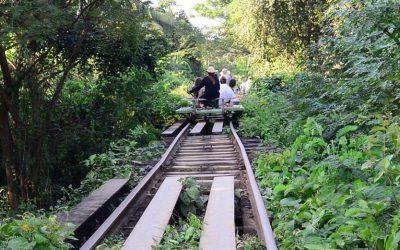 El tren de bambú de Camboya