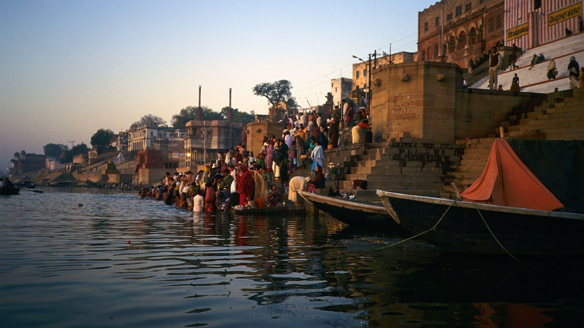 Rio Ganges en India y lugares sagrados que lo rodean
