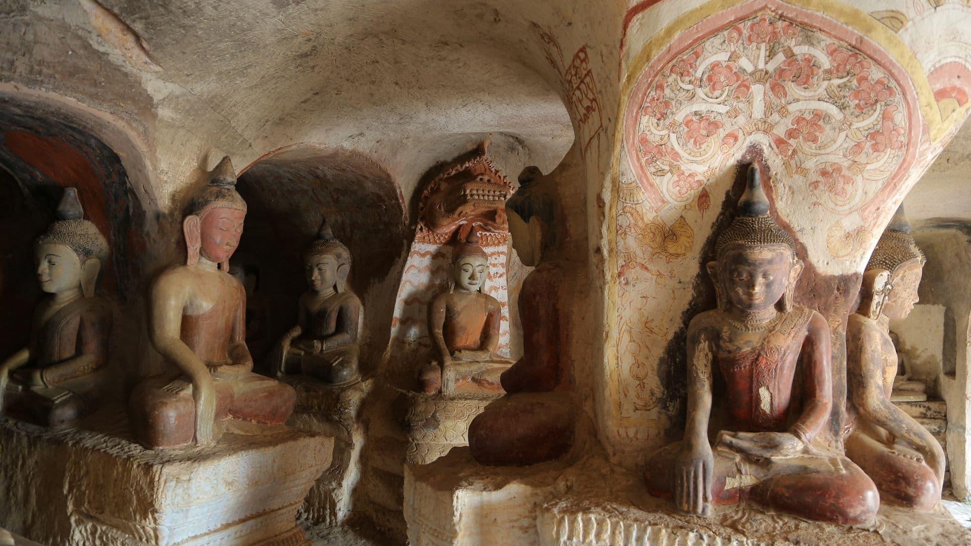 Budas de la cueva de Powintaung