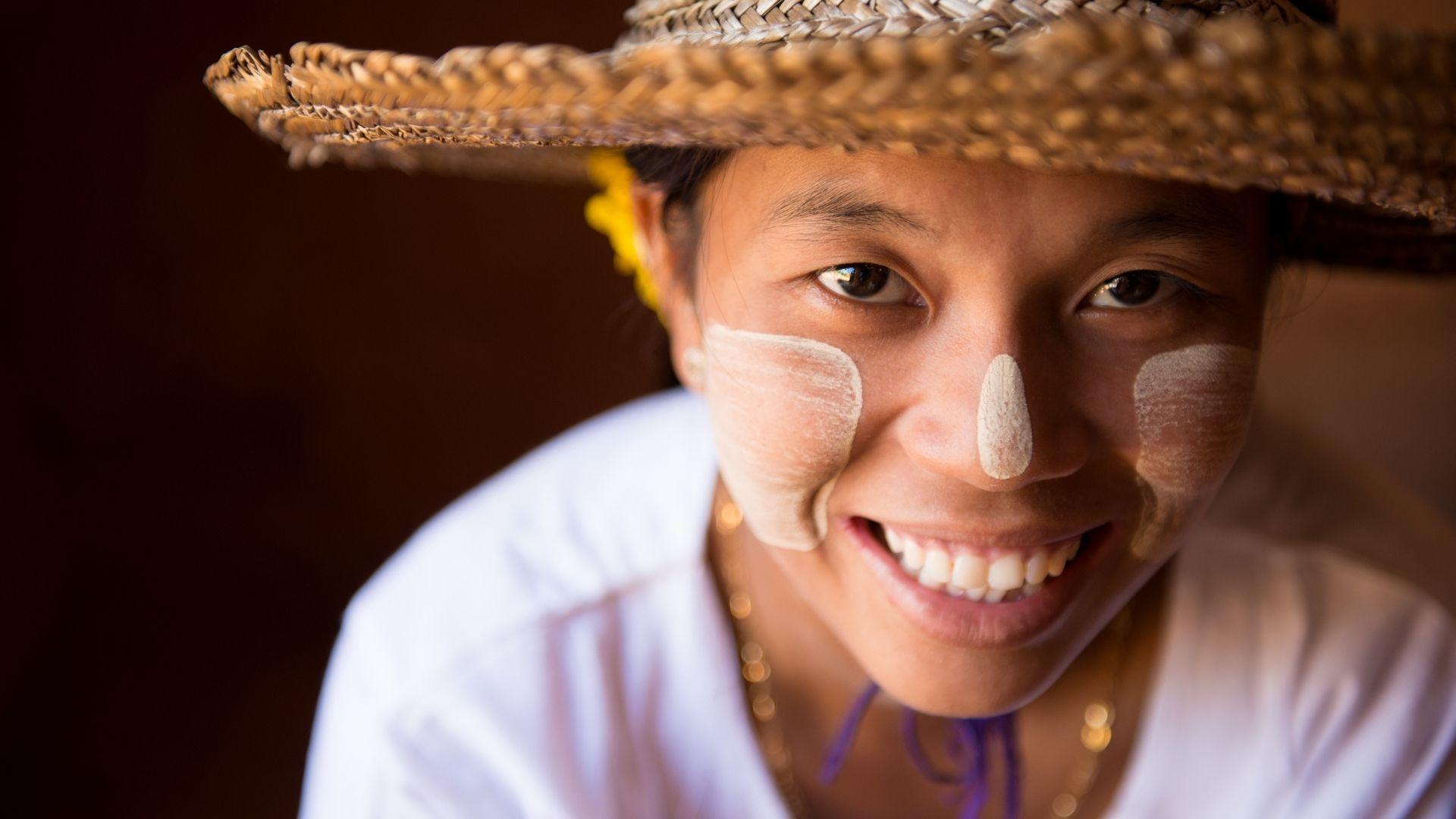 El Thanakha o maquillaje de Myanmar