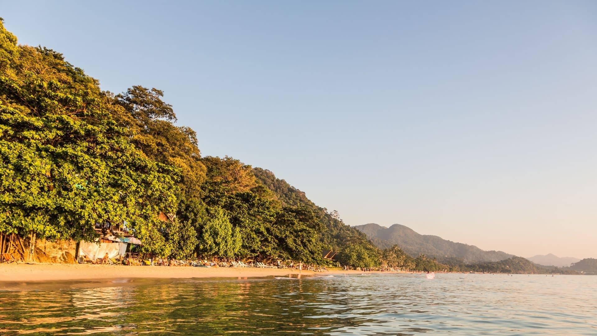 White Sand Beach es una de las mejores playas en Ko Chang