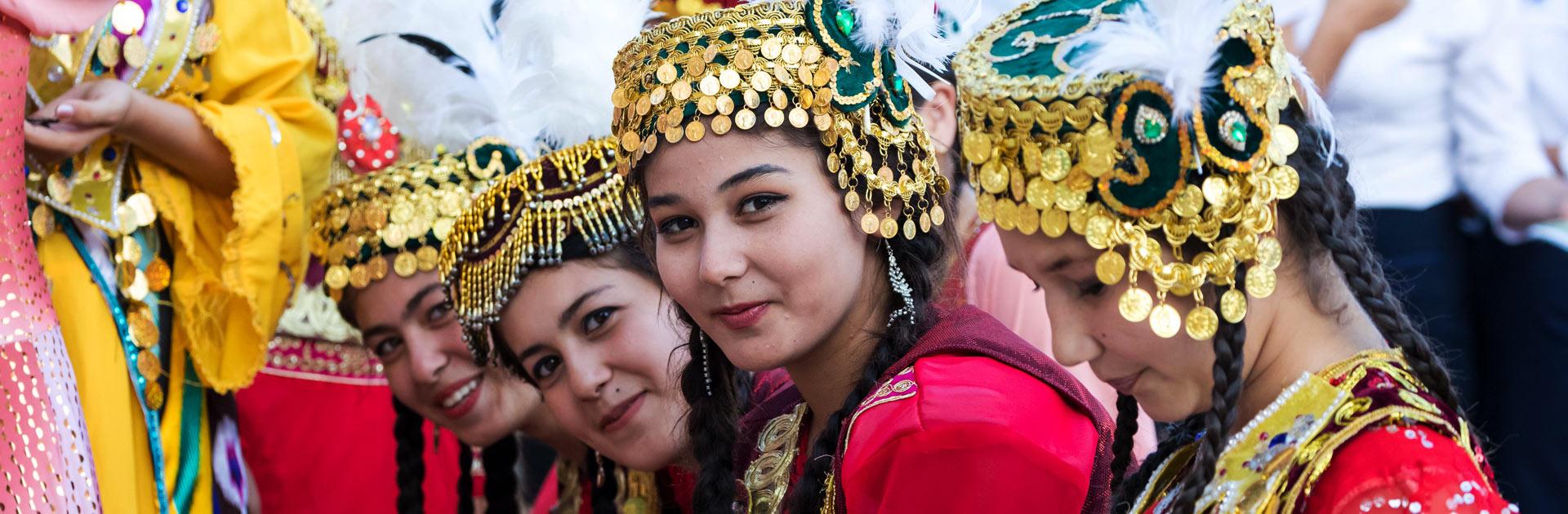 UZ Gran Tour de Uzbekistán 16 días 1