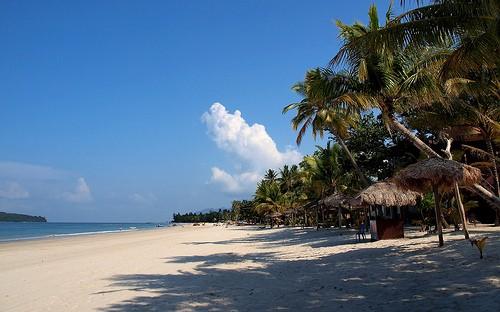 Pantai Cenang, relax y deporte en aguas cristalinas (Malasia)