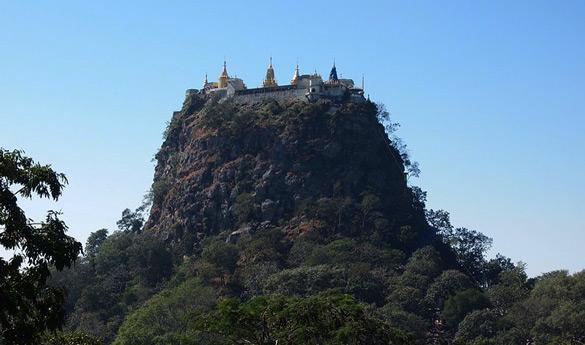 Bagan Y el Monte Popa en Myanmar