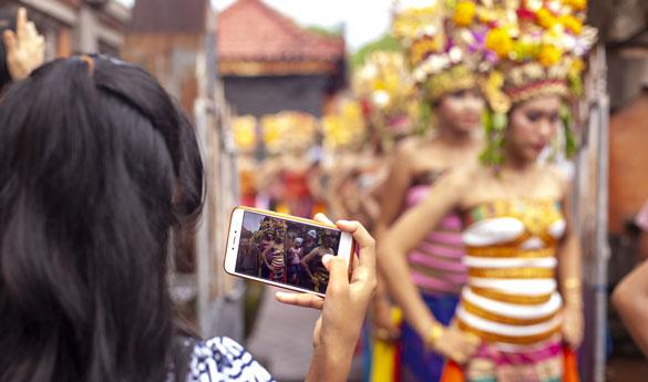 Se testigo de la danza Barong en Indonesia