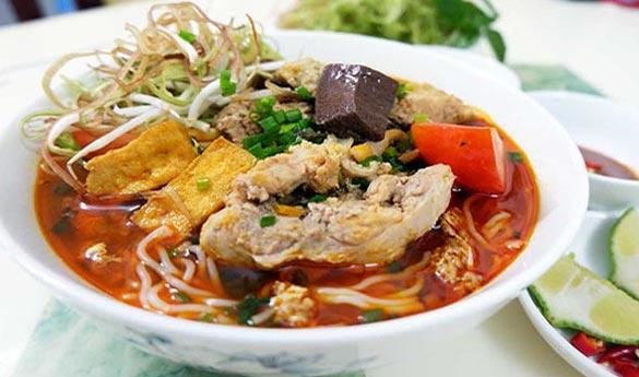 El Bun Rieu plato tradicional vietnamita