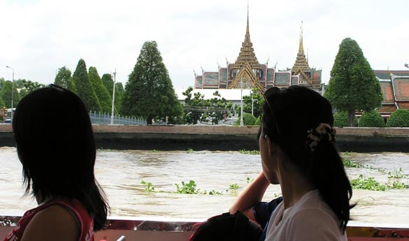 Pasear en lancha en canales de Thonburi