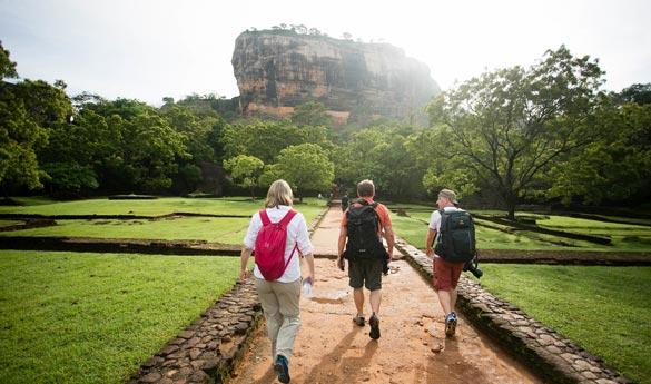 Practicar senderismo en Sigiriya