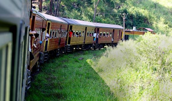 Tren Nuwara Eliya