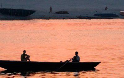 El Ganges y las ciudades sagradas de India